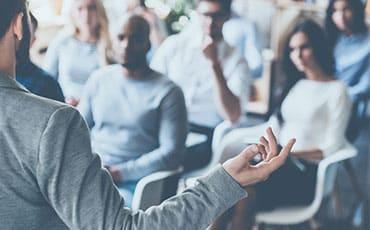 Trainer und Seminarteilnehmer Project Excellence